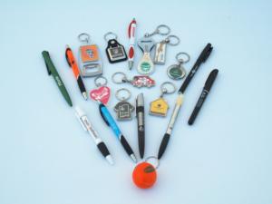 Bolígrafos y llaveros personalizados