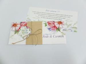 Tarjetón 10x21 cm 4+4 tintas. Detalle hilo palomar, tarjeta redonda y fajín papel kraft